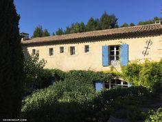 Le Hameau des Baux, l'inspiration au voyage !   Koming Up