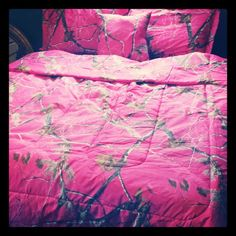 Pink and Camo Bedding<3 I have this bedding in the light pink and I love it!