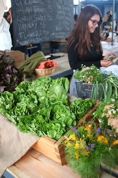 Farmer's markets are the perfect place to find fresh greens for your L's!    ONE OF MY FAVORITE PLACES TO GO