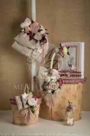 Μένη Ρογκότη - Σετ βάπτισης για κορίτσι σε vintage ύφος με ξύλινο κουτί καλάθι και εξαιρετική floral διακόσμηση