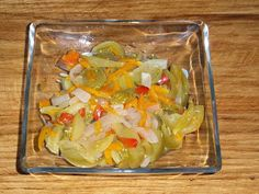 rozczochrane okruszki: Sałatka z zielonych pomidorów.