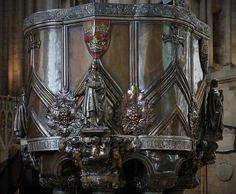 via @TwellMdc  A&C/Art N style detail on the fabulous Henry Wilson copper/bronze pulpit at Ripon Cathedral