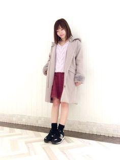 ファー袖フード付きコート 袖のファーが可愛らしいフードコートです。袖のファーとフードは取り外し可能なのでシンプルに大人っぽい着こなしもオススメです。