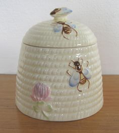 Beswick honey pot (beehive shape with bees and flower), c.1950s-60s (SOLD) - www.vanishederas.com