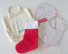 babys first christmas gift set. bib and burp cloth set. unique gift set by on Etsy Christmas Gift Sets, First Christmas, Baby Gift Sets, Baby Gifts, Burp Cloth Set, Bobs, Christmas Stockings, Unique Gifts, Merry