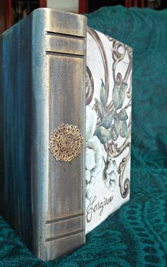 Book Box vintage decoupage