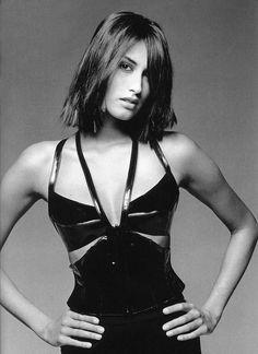 1996 - Yasmeen Ghauri in Karl Lagerfeld