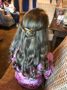 #flowergirl #brunette #weddingstylist #curls #littlegirl #austin #texas Austin Texas, Curls, Little Girls, Nova, Dreadlocks, Hair Styles, Beauty, Hair Plait Styles, Toddler Girls