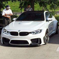 BMW F82 M4 white widebody Kinetik breyttur