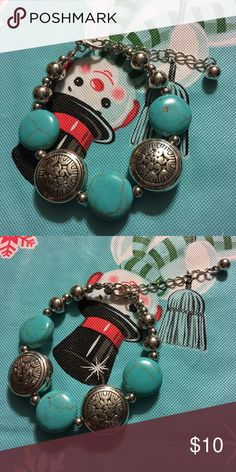 Pretty turquoise and silver bracelet Super pretty recieved with a trade just no need for it Jewelry Bracelets