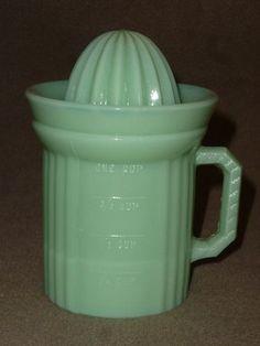 Vintage Jadite 1 cup measuring cup with juicer lid.