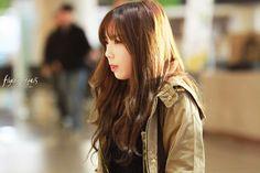 Taeyeon Gimpo Airport 131210 v2 (8 HD pics)