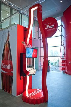 Trade Show Booth Ideas – Are you Trying to find methods to refurbish your trade convention and occasion advertising and marketing program? It can be an obstacle to establish your . Read MoreTrade Show Booth Ideas Guaranteed to Attract Visitors Coca Cola, Pepsi, Experiential Marketing, Guerilla Marketing, Street Marketing, Exhibition Stand Design, Pop Display, Display Design, Kiosk Design