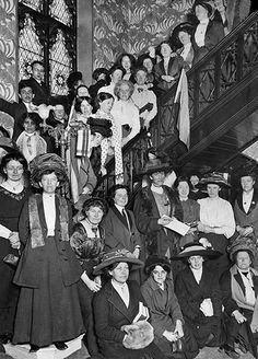 1911: Suffragettes gathered in Manchester Census Lodge to Boycott the census