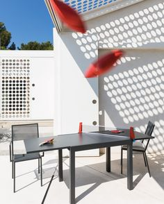 Table Conrad rectangular extendable 100 x 70 cm - Unopiù Tall Stools, Grand Luxe, Low Stool, Outdoor Tables, Outdoor Decor, Parasol, Square Tables, Reception Areas, Ping Pong Table