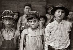 """""""Doffers in Pell City Cotton Mill. Superintendent of mill is also Mayor of Pell City."""" Photograph by Lewis Wickes Hine for the National Child Labor Committee. Alabama, Pell City, Shorpy Historical Photos, Fotografia Social, Cotton Mill, Lewis Hine, Black And White City, Kaiser, Working With Children"""