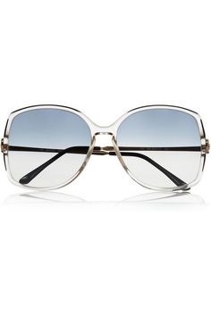 5d94afa0ab24 Theses Retrosun vintage Gucci sunglasses made of acetate and metal to aid  you with the scorching sun while giving you the look of Italian glamour.