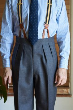 bespokewrinkles: Continuous waistband trousers–so rare these days they can only be gotten bespoke. By @steedtailors
