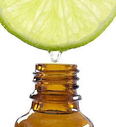 Un nettoyant au citron pour la cuisine : Huiles essentielles : des recettes pour entretenir votre logement au naturel - Linternaute