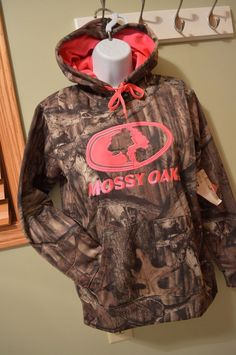 Cute Pink and Camo Mossy Oak Women's hoodie. What a great idea for the huntress / woman deer hunter