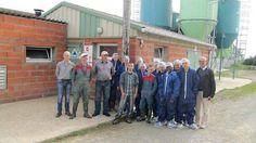 17/06/13. Dix lycéens de Redon visitent la porcherie du Gaec Le Fresne. LIRE http://www.ouest-france.fr/dix-lyceens-de-redon-visitent-la-porcherie-du-gaec-le-fresne-835309