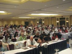 Travel professionals eager to learn about marketing their business on social media. My session had almost 500 attendees!