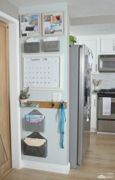 Painted kitchen wall with the homeright paint stick eztwist decor The Quick Way to Paint a Kitchen Command Center Wall Home Decor Kitchen, Home Kitchens, Diy Home Decor, Kitchen Wall Decorations, Kitchen Paint, Kitchen Walls, Kitchen Entryway Ideas, Kitchen Board, Kitchen Cabinets Decor
