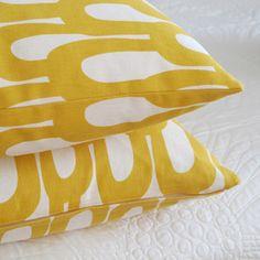 loop-di-loop pillow from pikku