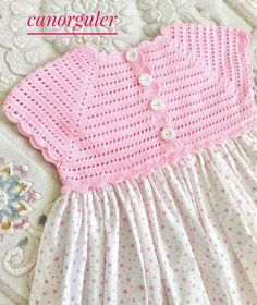 Joan Evelynveere-Stueland [ DThis post was discovered by Likes, 9 Comments - crochetideas baby crochet girl shoes for Pin was discovered by Mel - SalvabraniCrochet Baby Bib from Vintage Pattern Baby Girl Crochet, Crochet Baby Clothes, Crochet For Kids, Crochet Yoke, Crochet Vest Pattern, Free Crochet, Crochet Patterns, Baby Doll Clothes, Booties Crochet