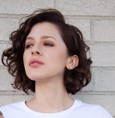 short and side-parted Short Wavy Hair short sideparted Curly Hair Cuts, Medium Hair Cuts, Short Curly Hair, Short Hair Cuts, Medium Hair Styles, Curly Hair Styles, Thin Wavy Hair, Curly Wedding Hair, Wedding Hairstyles For Long Hair