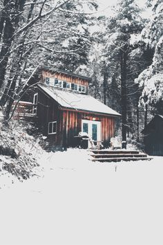 Now that the lazy days of summer are over, Canadians are getting ready to close up the cottage for the winter. Although every cottage is different and every cottage owner's closing checklist is different, here are some basics to keep in mind. Winter Cabin, Cozy Cabin, Snow Cabin, Winter House, Cabin Homes, Log Homes, Cabana, Ideas De Cabina, Magic Places