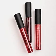 Smudge-proof. Smooch-proof. Worry- free. Stiff Upper Lip Lip Stain provides stubborn lip color that won't budge while delivering perfectly tinted, long- lasting color with a smooth matte finish.