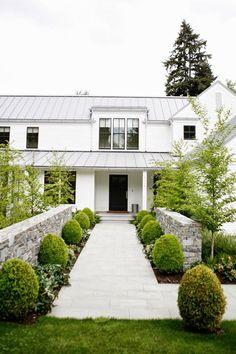 Modern Farmhouse, white house exterior