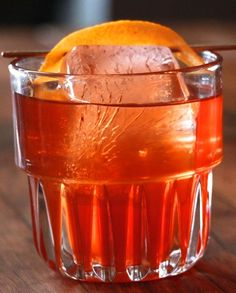 15 New Takes on the Old Fashioned - La Contenta Tequila Old Fashioned - Brandy Old Fashioned, Old Fashioned Drink, Old Fashioned Glass, Old Fashioned Recipes, Old Fashioned Cocktail, Bourbon Bar, Bourbon Drinks, Baileys Drinks, Liquor Drinks