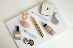 No-maleup makeup. Get that naturally flawless no-makeup look with a few key products that will make your skin look amazing Makeup Tips, Hair Makeup, Make Up, Make It Yourself, Your Skin, Makeup Looks, Beauty Hacks, Skincare, Hair Beauty