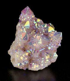 "dubfairy: ""bijoux-et-mineraux: "" Rainbow Aura Spirit Quartz - South Africa (rainbow aura quartz is quartz that has been enhanced with a combination of titanium and niobium) "" such a beautiful crystal,. Minerals And Gemstones, Rocks And Minerals, Cristal Art, Pierre Quartz, Spirit Quartz, Rainbow Quartz, Beautiful Rocks, Mineral Stone, Rocks And Gems"