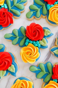Autumn-Inspired Floral Cookies and a Total Game-Changer - Bake at Cut Out Cookies, Cute Cookies, Sugar Cookies, Cookie Tutorials, Pumpkin Dessert, Pumpkin Cheesecake, Flower Cookies, Cookie Designs, Autumn Inspiration