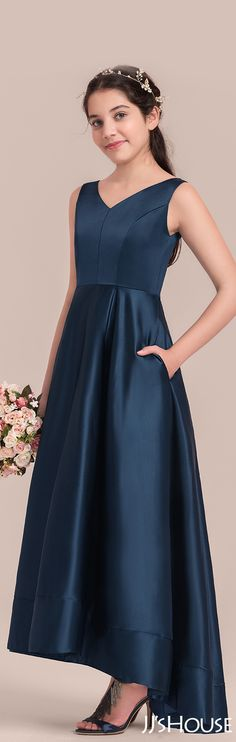 What a perfect junior bridesmaid dress with great cut and nice fabric! #JJsHouse #Junior #Bridesmaid