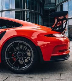 The Porsche 911 is a truly a race car you can drive on the street. It's distinctive Porsche styling is backed up by incredible race car performance. Porsche Panamera, Porsche Rs, Porsche Autos, Volkswagen, Sport Cars, Race Cars, Automobile, Ferdinand Porsche, Dream Garage