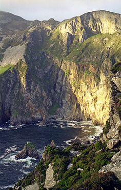 Slieve League, Donegal, Ireland © www.ianmiddletonphotography.co.uk Was there 4 months ago.....IT IS AMAZING