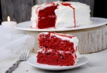 """Scary beautiful dessert """"Velvet cake""""."""