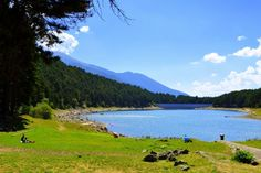 Photo by Angela Llop CC2 Lake Engolasters is a lake in #Andorra at an altitude of 1600 m. The water in the lake is dark blue. The lake offers a beautiful view, with green meadows and rich pine forests.