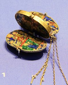 Reliquary pendants 1340