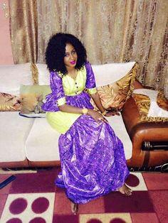 Malian Fashion bazin #Malifashion #bazin #malianwomenarebeautiful Afro, Africa Dress, Africa Fashion, African Attire, Ankara Styles, African Women, Womens Fashion, Fashion Trends, Two Piece Skirt Set