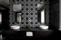#tonkaandjelkovicdesign #tonkaandjelkovicdesignresidential #architecture #interiordesign #interiorstyling #residentialdesign #luxury #living #bathroom #basin #vanity #bath #tiles #mosaic #blackandwhite #symmetry