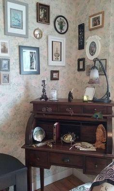Mon petit cabinet de curiosités, installé dans la chambre d'amis...