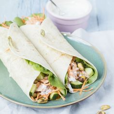 Frisse wraps met pulled salmon – Food And Drink Diner Recipes, Brunch Recipes, Fish Recipes, Gourmet Recipes, Healthy Wraps, Healthy Salmon Recipes, Healthy Snacks, A Food, Good Food
