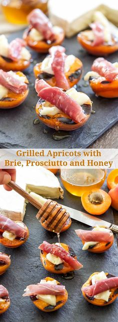 Bbq grill peaches Grilled Apricots with Brie, Prosciutto and Honey An easy to make, sweet and salty grilled appetizer! These Grilled Apricots with Brie, Prosciutto and Honey are perfect for your next barbecue! Finger Food Appetizers, Yummy Appetizers, Appetizer Recipes, Finger Foods, Prosciutto Appetizer, Easy Canapes, Skewer Appetizers, Grilling Recipes, Cooking Recipes