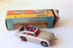RARE Corgi Toys James Bond Aston Martin D.B.5. 270 Die Cast Car with Box // 1966 // Glidrose // Slimline //