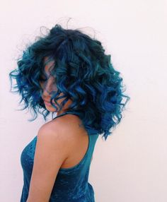 If I were ever to do blue hair...this would be the shade(s)!